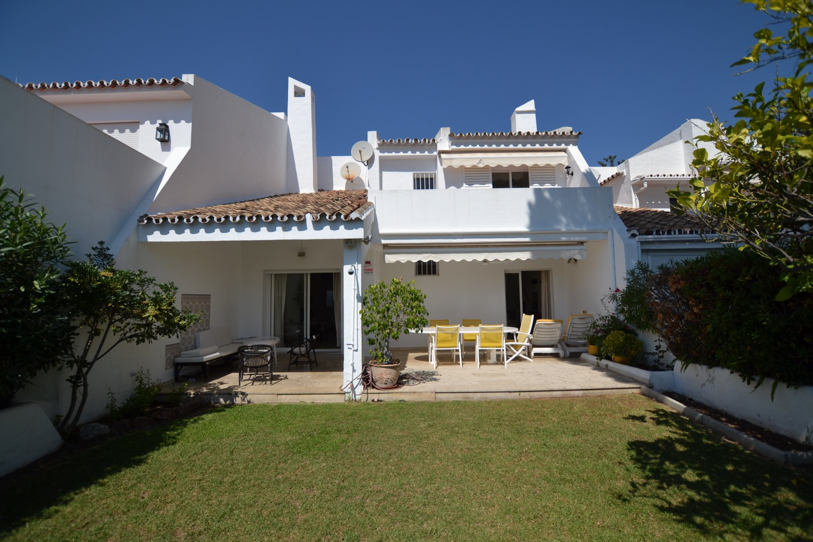 Townhouse For Sale in Peñablanca