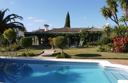 3 Bedroom Short Term Vacation Villa Marbella