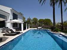 Holiday villa in Nueva Andalucia – 4 bedrooms