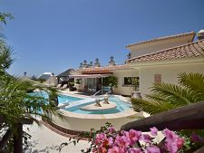 Rent a Holiday villa in Marbella – 6 bedrooms