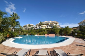 Holiday Rentals In Aloha Park, Nueva Andalucia