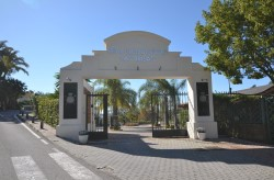 Buy A Property In Hotel Del Golf, Nueva Andalucia