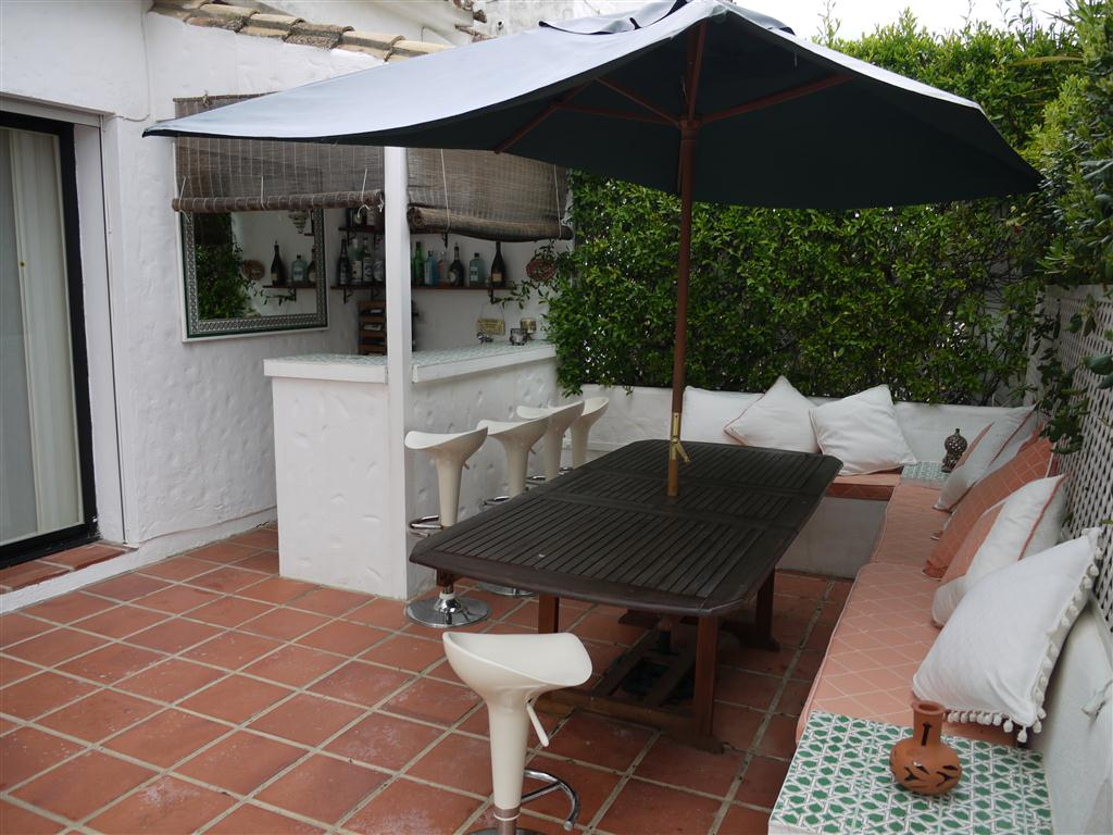 Los.Naranjos.Country.Club.Terrace.Bar