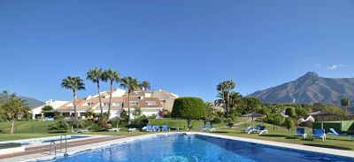 Townhouses for Sale and Rent in Nueva Andalucia