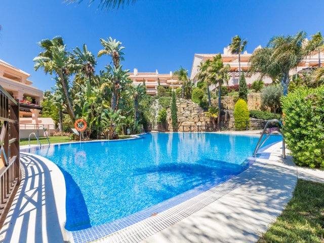 Photos from rental property Albatross Hill, Nueva Andalucia