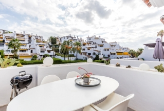 Show detail information about rental property: Ivy Residence, Nueva Andalucia
