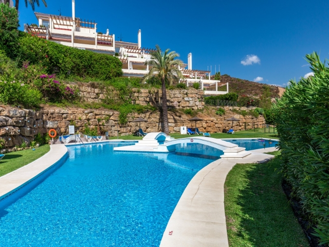 Photos from rental property Palacetes de Belvederes, Nueva Andalucia