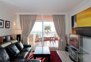 Show detail information about rental property: Magna Marbella