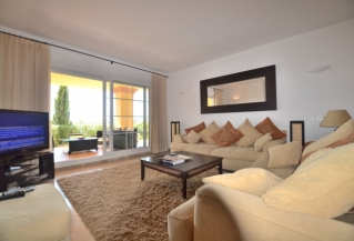 Show detail information about rental property: Cumbres del Rodeo, Nueva Andalucia