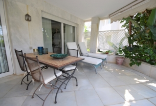 Show detail information about rental property: Los Granados Golf, Nueva Andalucia