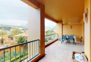 Show detail information about rental property: Benatalaya, Estepona
