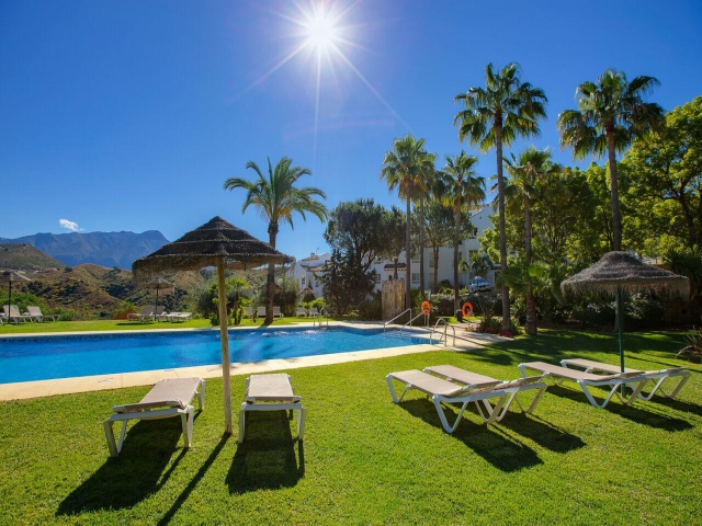 Photos from rental property Altos de La Quinta, Benahavis