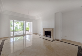 Show detail information about rental property: Columbus Hills, Marbella