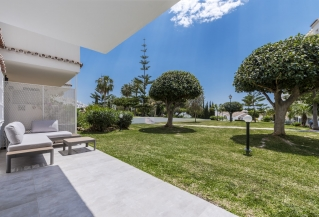 Show detail information about rental property: Royal Gardens, Nueva Andalucia