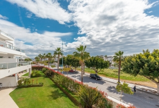 Show detail information about rental property: Jade Beach, San Pedro de Alcantara