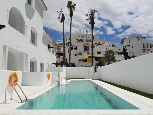 Photos from rental property Ivy Residence, Nueva Andalucia