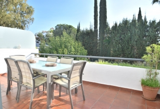 Show detail information about rental property: Balcon del Golf, Nueva Andalucia