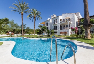 Show detail information about rental property: Las Cascadas, Nueva Andalucia