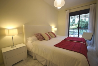 Show detail information about rental property: Cosmo Beach, Estepona