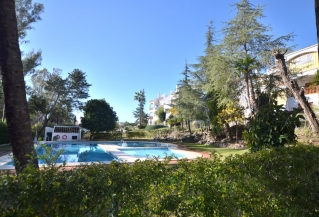 Show detail information about rental property: Le Village, Nueva Andalucia