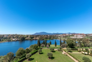 Show detail information about rental property: El Lago, Los Flamingos, Estepona