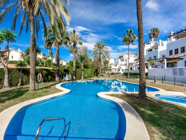Photos from rental property Aldea Blanca, Nueva Andalucia