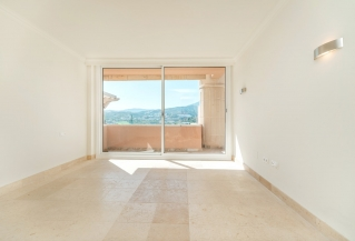 Show detail information about rental property: Magna Marbella, Nueva Andalucia