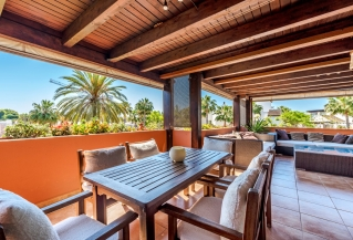 Show detail information about rental property: Embrujo Playa, Puerto Banus