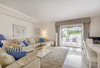 Show detail information about rental property: Los Naranjos Country Club, Nueva Andalucia