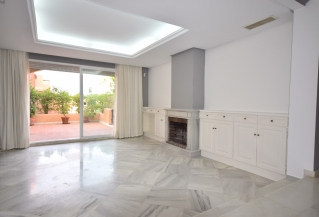 Show detail information about rental property: El Palmeral, Nueva Andalucia