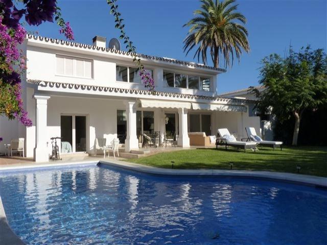 Снять домик в испании на лето