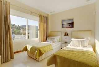 Show detail information about rental property: Villa Terraza, Nueva Andalucia