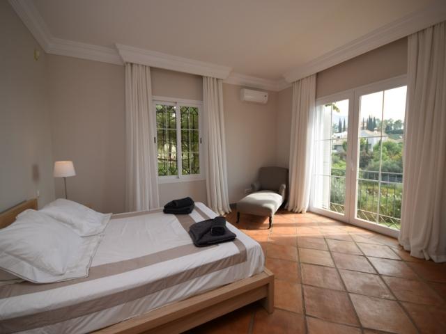 Rv53066 Superb Villa For Holiday Rentals 5 Bedrooms
