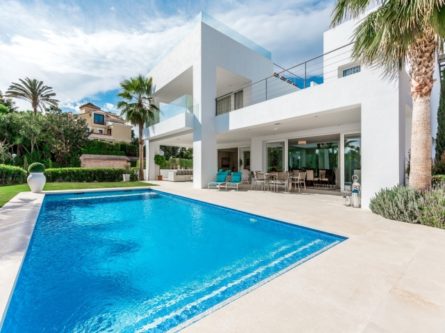 Photos from rental property Villa Florence - Altos de Puente Romano, Marbella