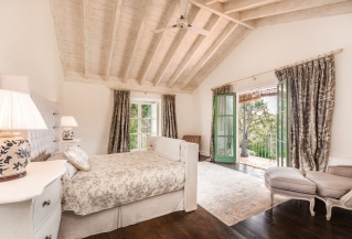 Show detail information about rental property: Villa Courtyard - La Zagaleta, Benahavis