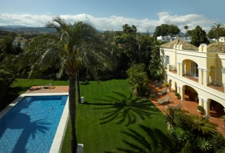 Show detail information about rental property: Villa Summer Gail Nueva Andalucia