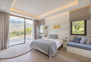 Show detail information about rental property: Villa Edith - La Zagaleta, Benahvis