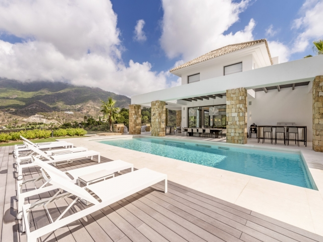 Photos from rental property Villa Edith - La Zagaleta, Benahvis