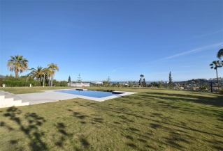 Show detail information about rental property: Villa Purple White, La Cerquilla