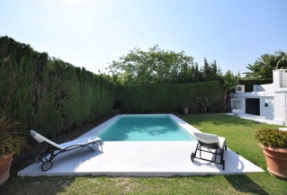Show detail information about rental property: Villa Jenny, Nueva Andalucia