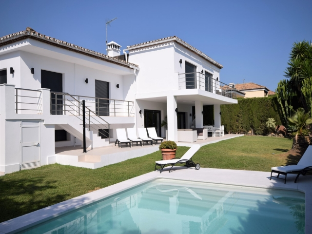 Photos from rental property Villa Jenny, Nueva Andalucia