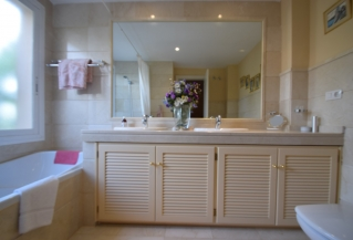 Show detail information about this property: A3531