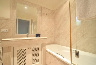 Show detail information about this property: A3846