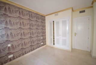 Show detail information about this property: A2804