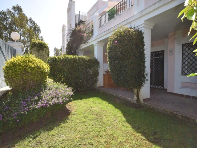 A2880 Aloha Gardens Apartment For Sale 2 Bedrooms