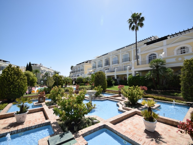 A2916 Aloha Gardens Apartment For Sale 2 Bedrooms