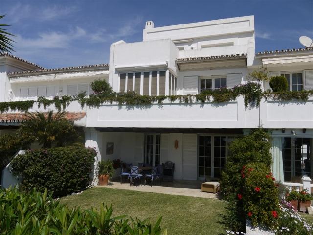 T5012 Ucanca Townhouse For Sale 5 Bedrooms La Quinta Nordica Property Sales
